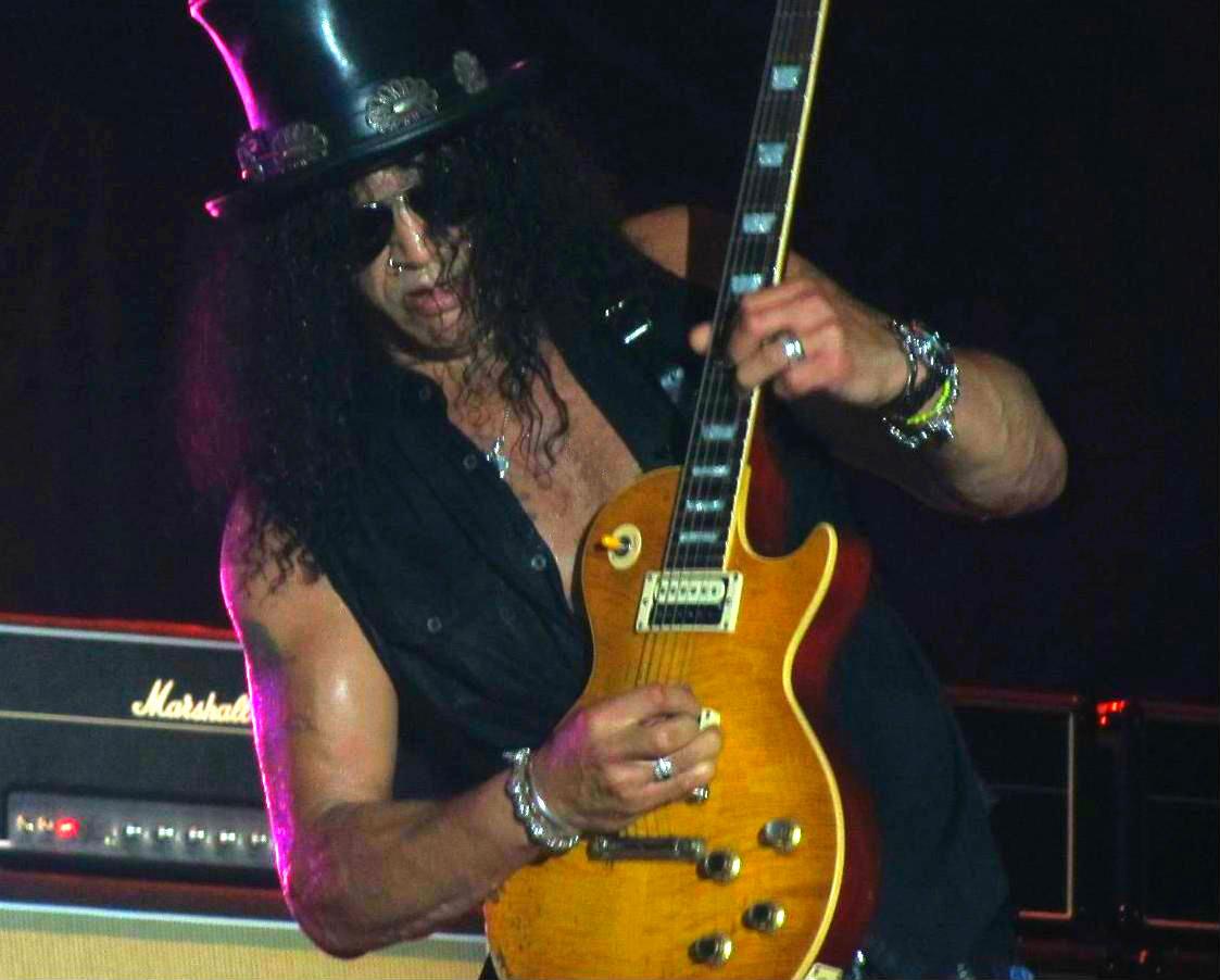 Slash guitarist solo